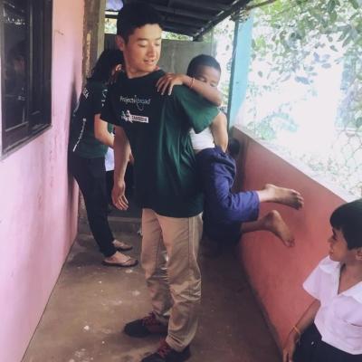 カンボジアでチャイルドケア&地域奉仕活動 山本大輝